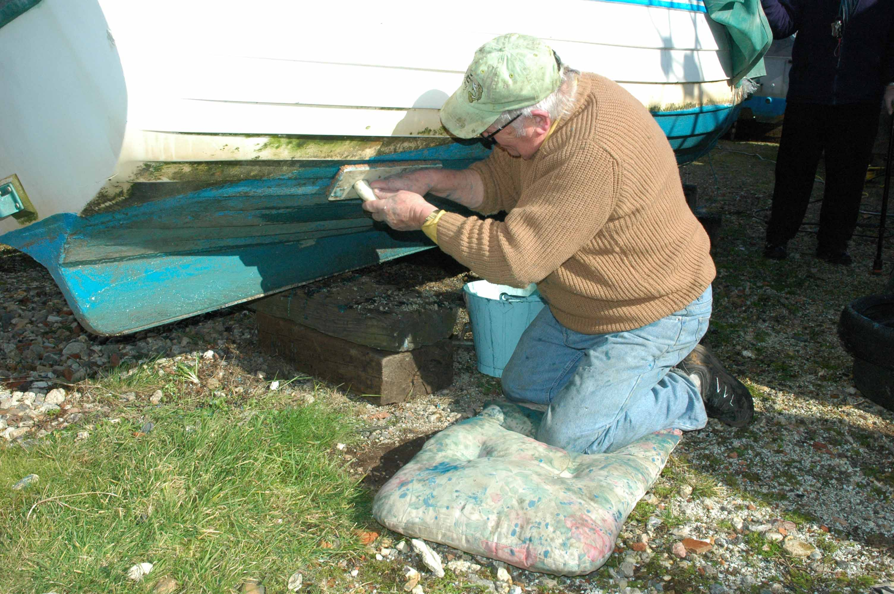 Cleaning the hull of Joyce
